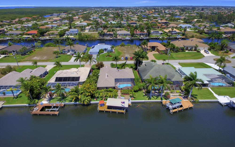 2814 SW 37th Ter, Cape Coral - Home For Sale 2058094656
