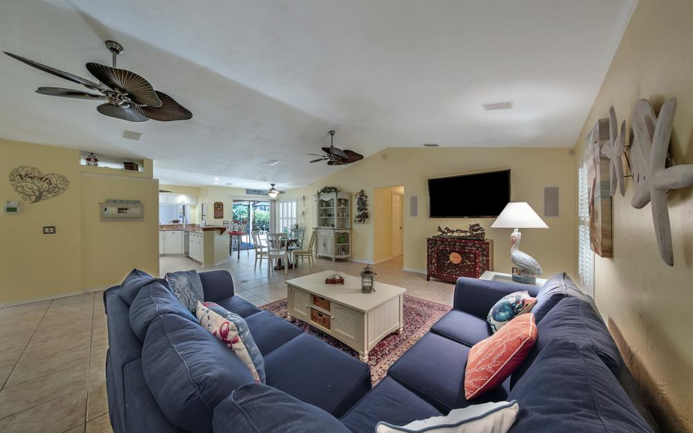 2814 SW 37th Ter, Cape Coral - Home For Sale 941708632