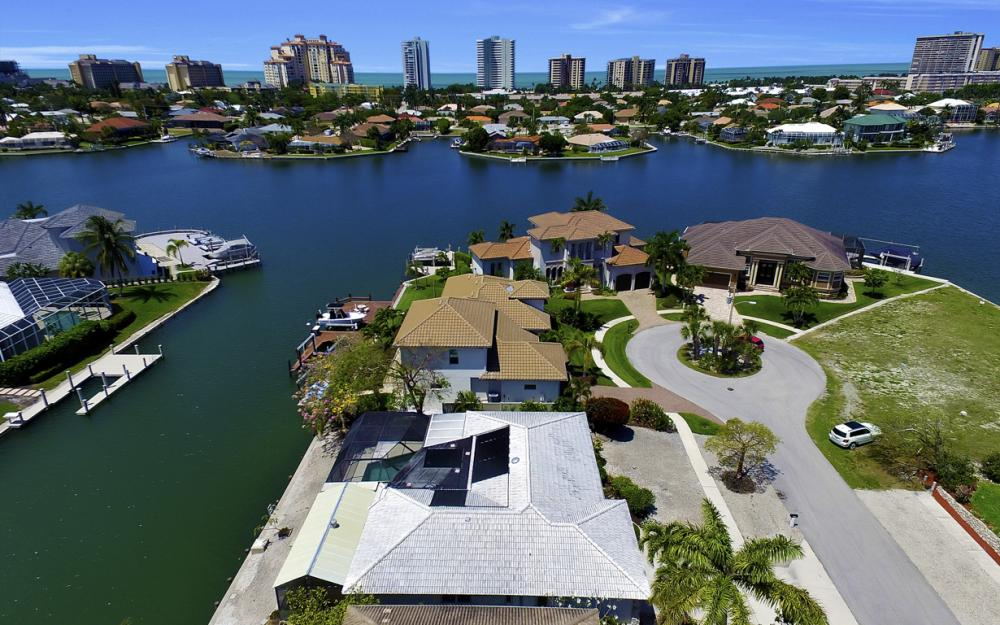 1031 Dill Ct, Marco Island - Home For Sale 92042938