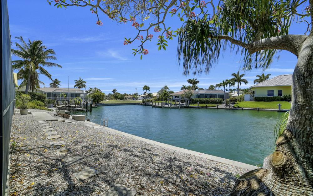 1031 Dill Ct, Marco Island - Home For Sale 618584140