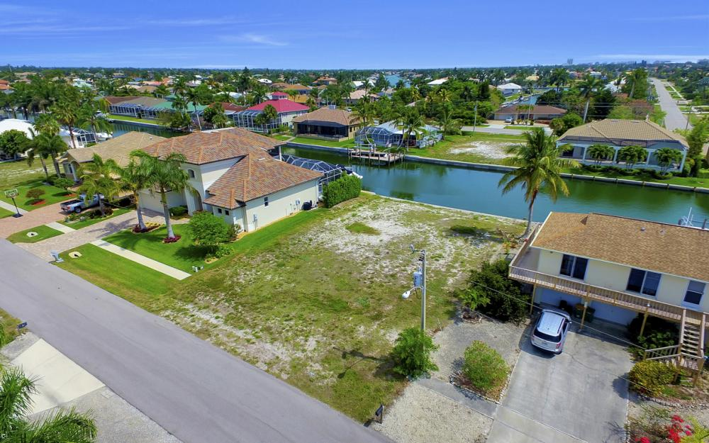1053 Cottonwood Ct, Marco Island - Lot For Sale 43038578