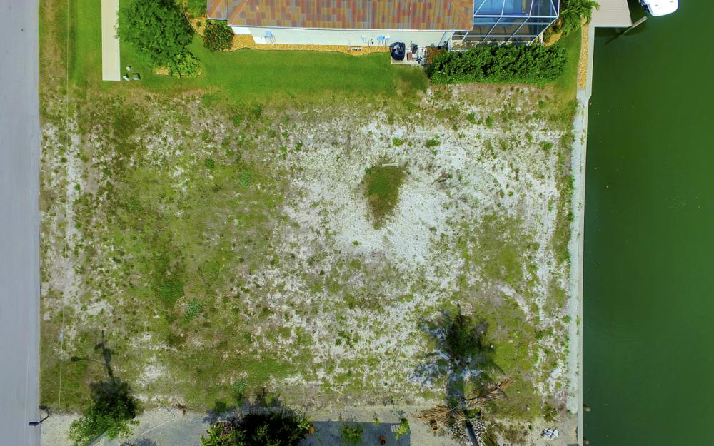 1053 Cottonwood Ct, Marco Island - Lot For Sale 300682352
