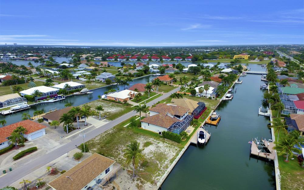 1053 Cottonwood Ct, Marco Island - Lot For Sale 1117268626