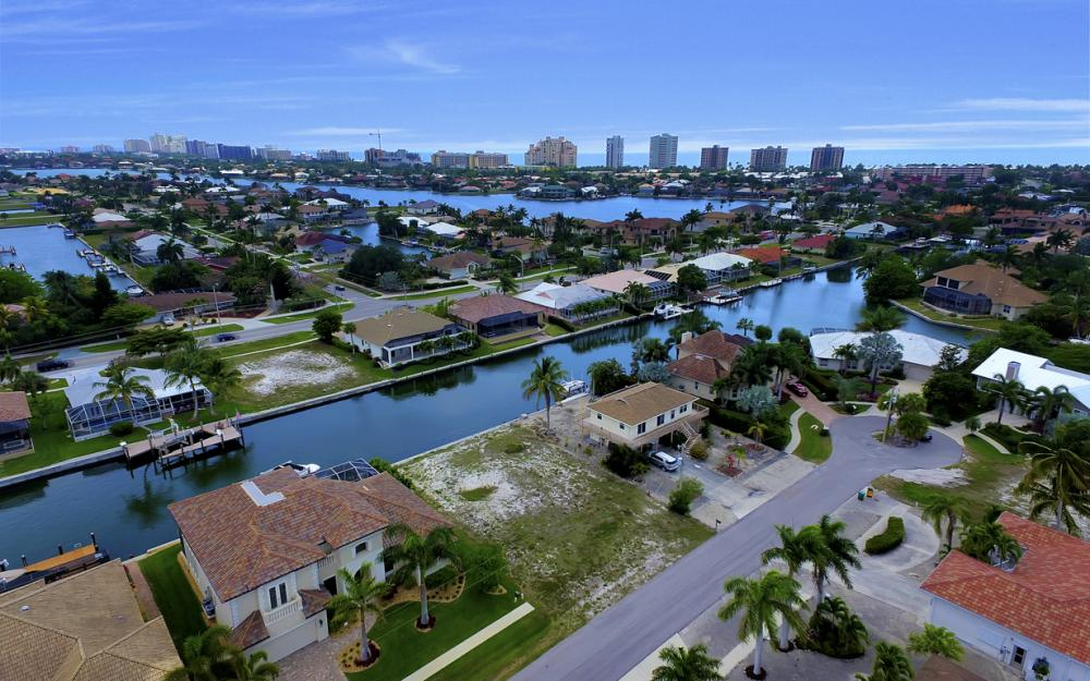 1053 Cottonwood Ct, Marco Island - Lot For Sale 431738632