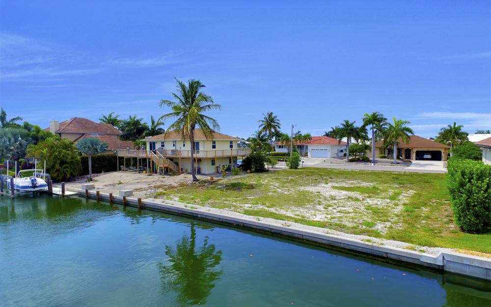 1053 Cottonwood Ct, Marco Island - Lot For Sale 1820716629