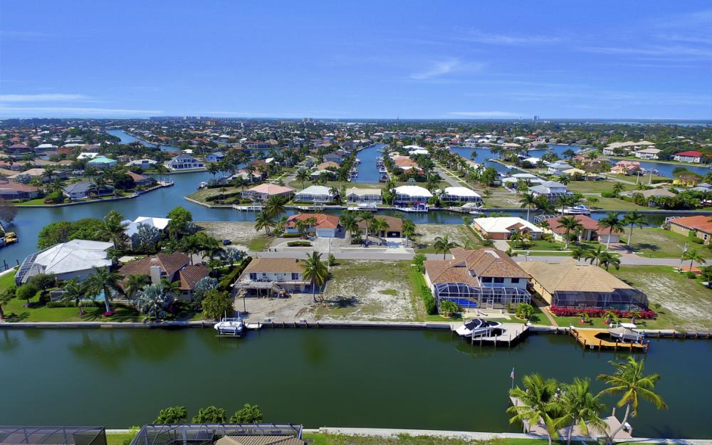 1053 Cottonwood Ct, Marco Island - Lot For Sale 1948989536
