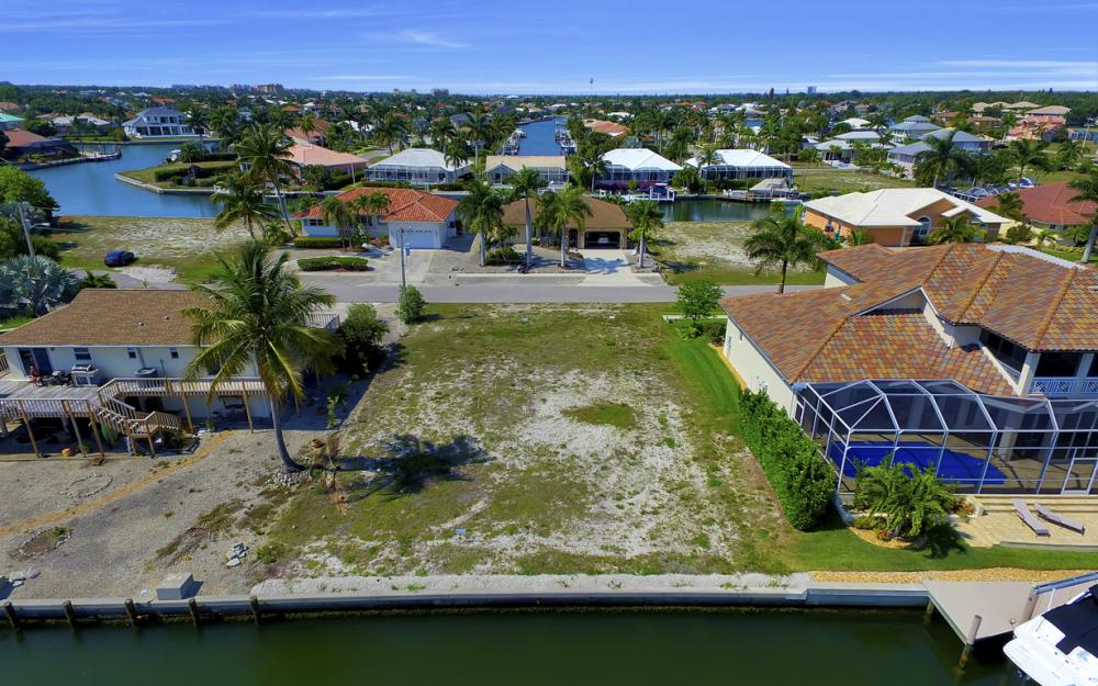 1053 Cottonwood Ct, Marco Island - Lot For Sale 2116021381