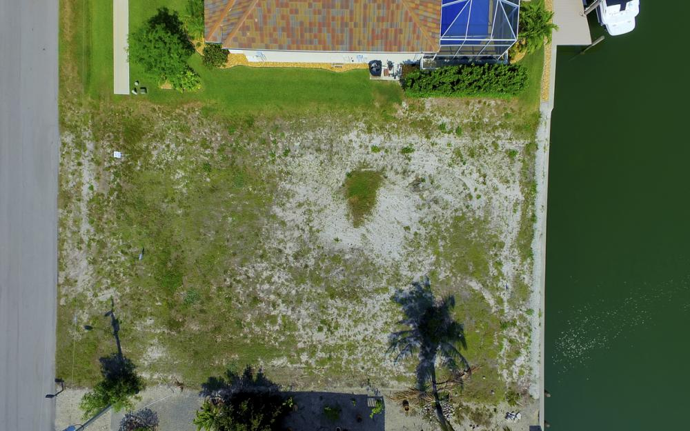 1053 Cottonwood Ct, Marco Island - Lot For Sale 79944936