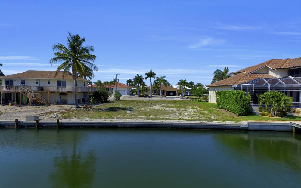 1053 Cottonwood Ct, Marco Island - Lot For Sale 577947089