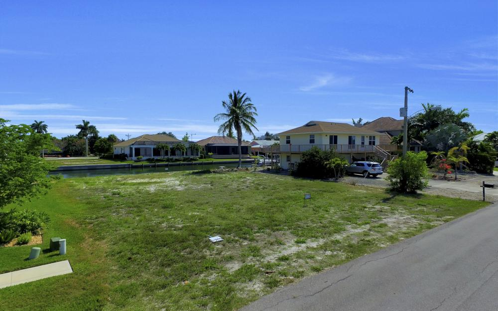 1053 Cottonwood Ct, Marco Island - Lot For Sale 80811804