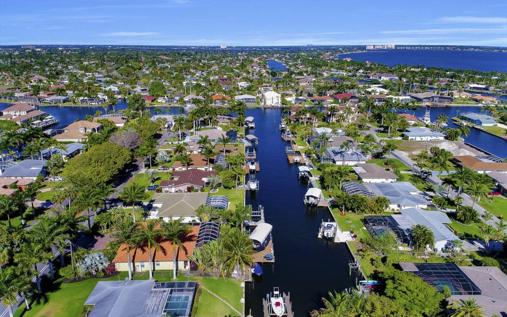 136 El Dorado Pkwy W, Cape Coral - Home For Sale 937210283