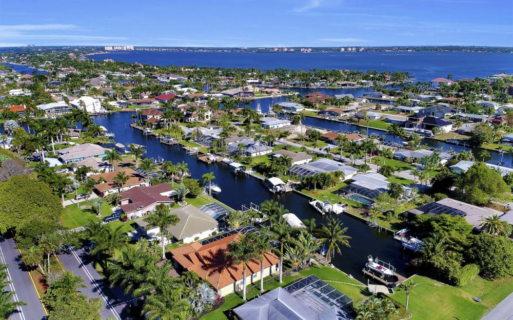 136 El Dorado Pkwy W, Cape Coral - Home For Sale 788103223