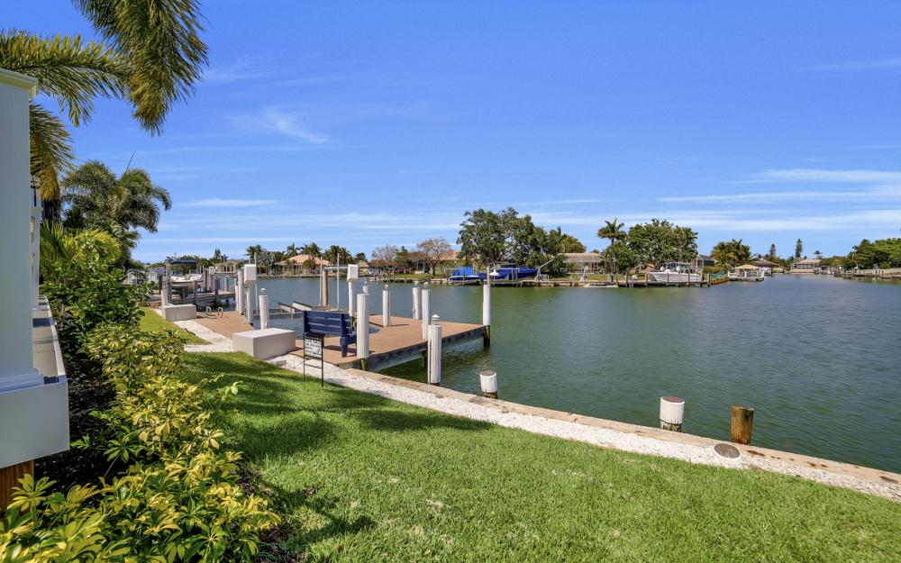 839 Rose Ct, Marco Island - Home For Sale 1040130283