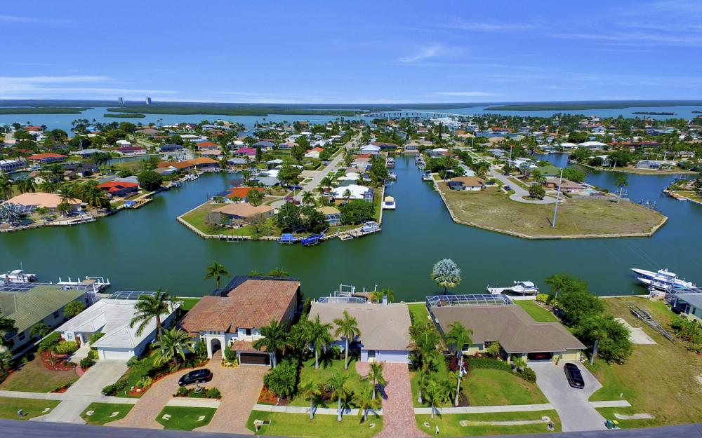 839 Rose Ct, Marco Island - Home For Sale 118403113