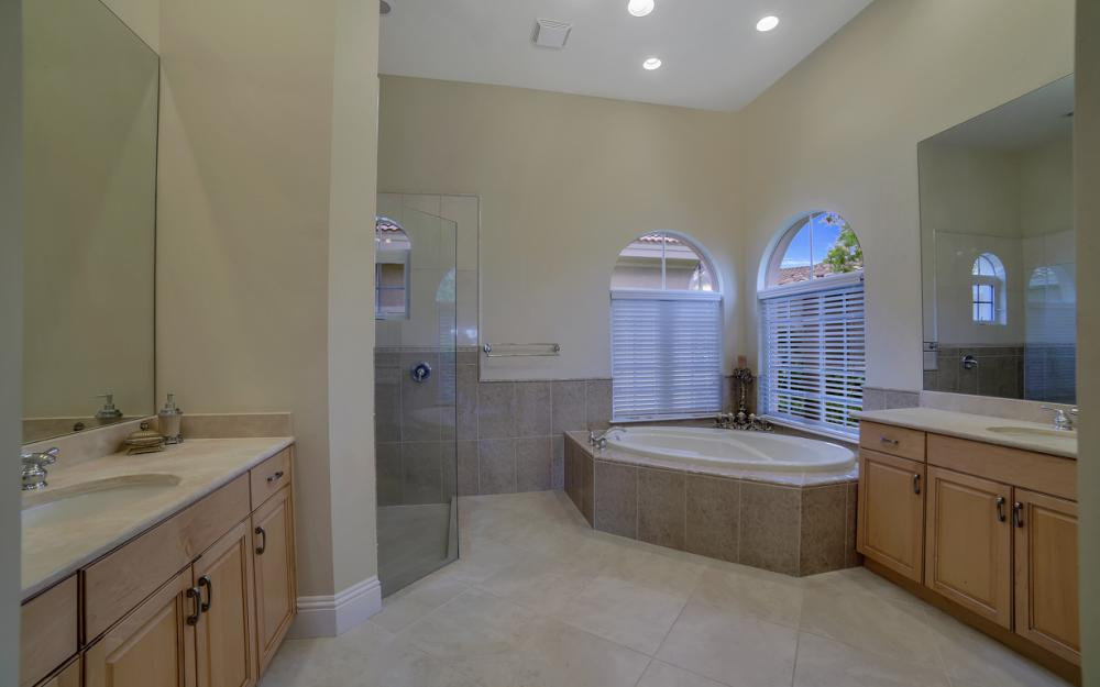 6680 Mossy Glen Dr, Fort Myers - Home For Sale 1233042937