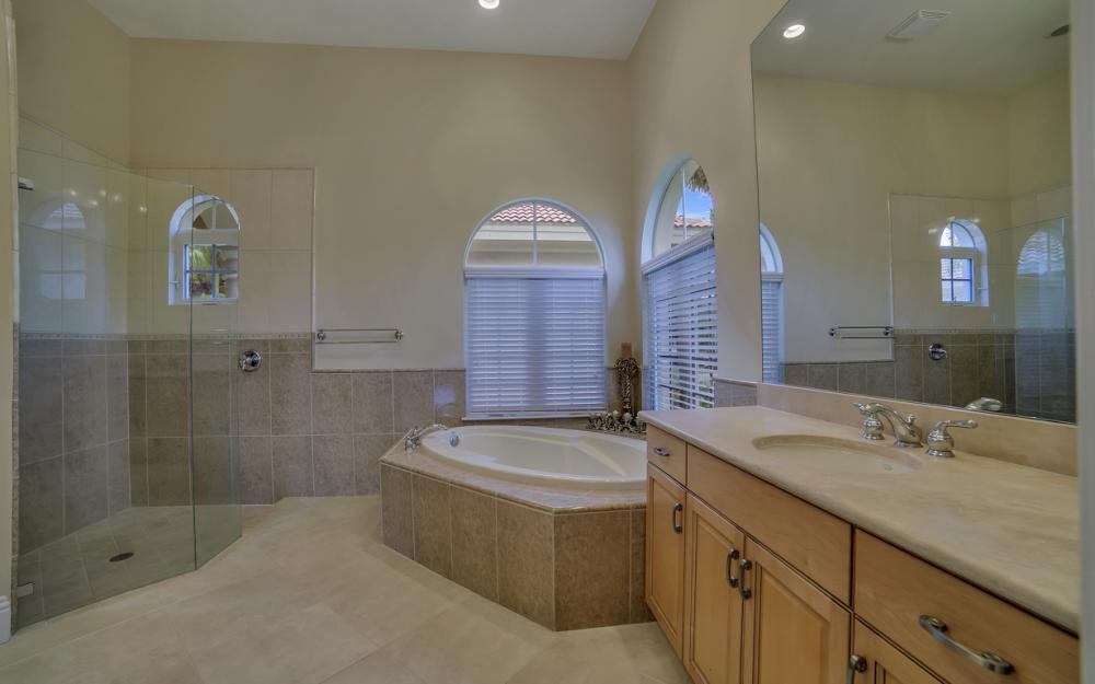 6680 Mossy Glen Dr, Fort Myers - Home For Sale 24980918