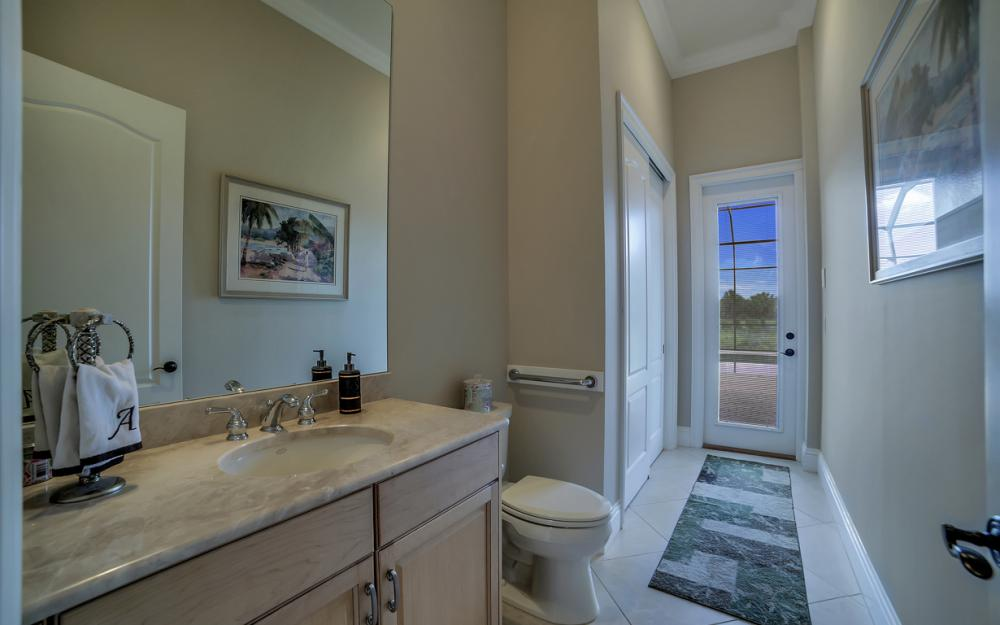 6680 Mossy Glen Dr, Fort Myers - Home For Sale 334283105