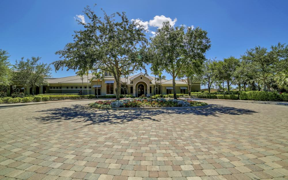 6680 Mossy Glen Dr, Fort Myers - Home For Sale 2046578510