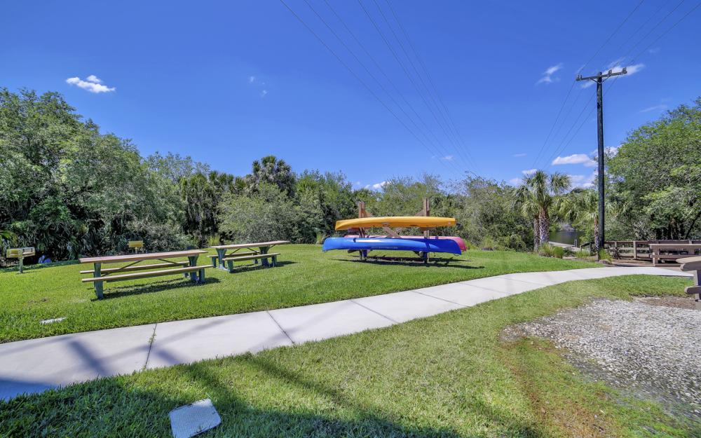 6680 Mossy Glen Dr, Fort Myers - Home For Sale 1702475177
