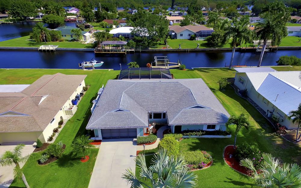 13864 Sleepy Hollow Ln, Fort Myers - Home For Sale 2084215214