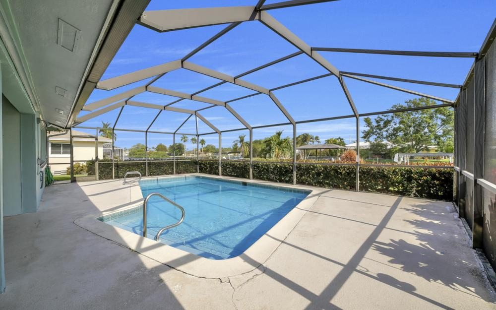 13864 Sleepy Hollow Ln, Fort Myers - Home For Sale 1539977000