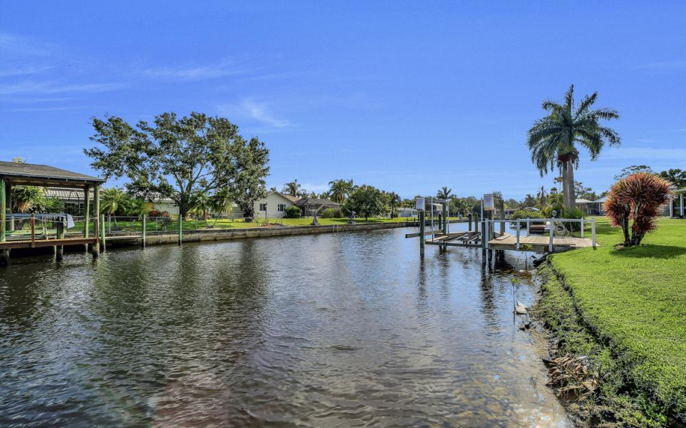 13864 Sleepy Hollow Ln, Fort Myers - Home For Sale 1107451599