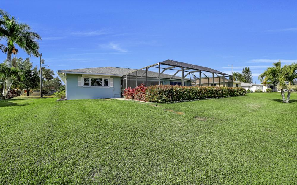 13864 Sleepy Hollow Ln, Fort Myers - Home For Sale 205297741