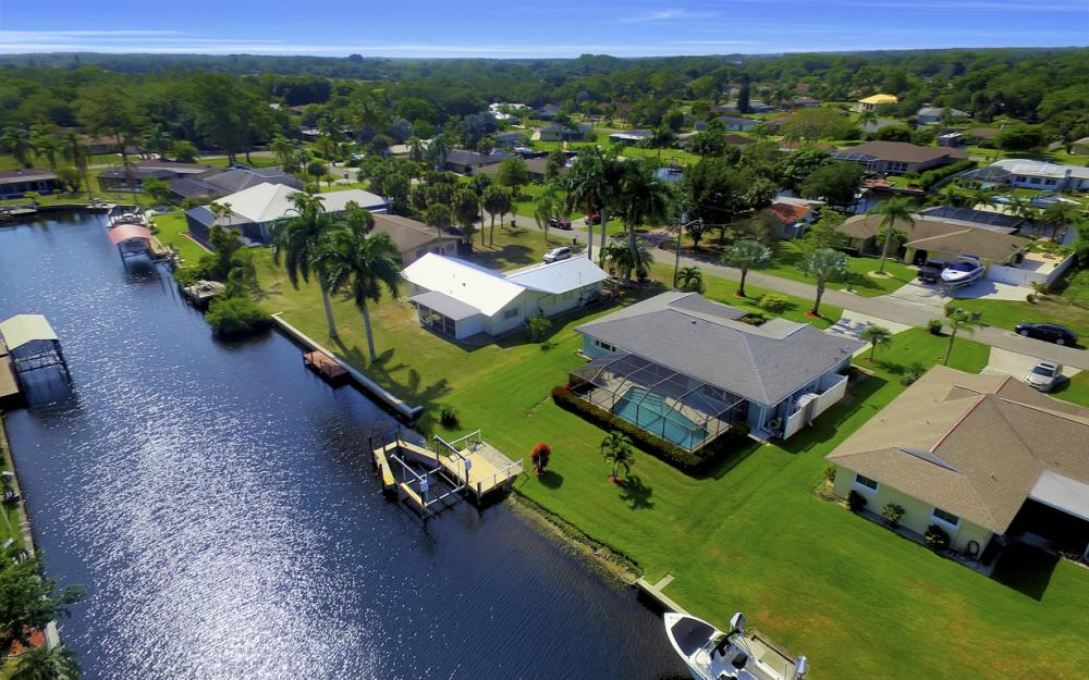13864 Sleepy Hollow Ln, Fort Myers - Home For Sale 726304975