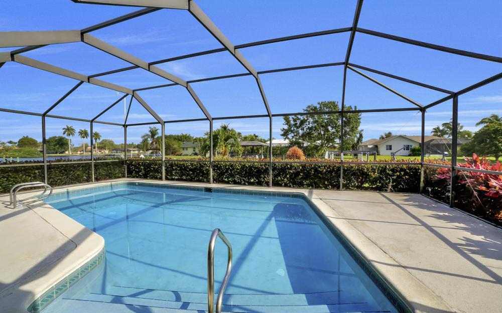 13864 Sleepy Hollow Ln, Fort Myers - Home For Sale 204906903