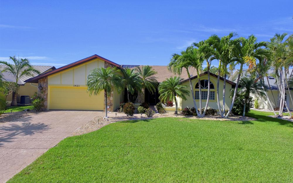 1421 El Dorado Pkwy W, Cape Coral - House For Sale 674623971