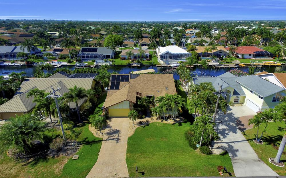 1421 El Dorado Pkwy W, Cape Coral - House For Sale 980211080