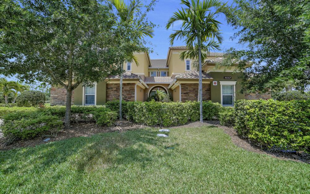9553 Ironstone Terrace #202, Naples - Condo For Sale 2076619573