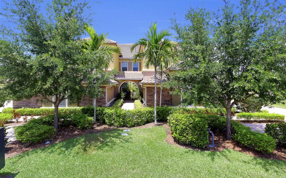 9553 Ironstone Terrace #202, Naples - Condo For Sale 160076137