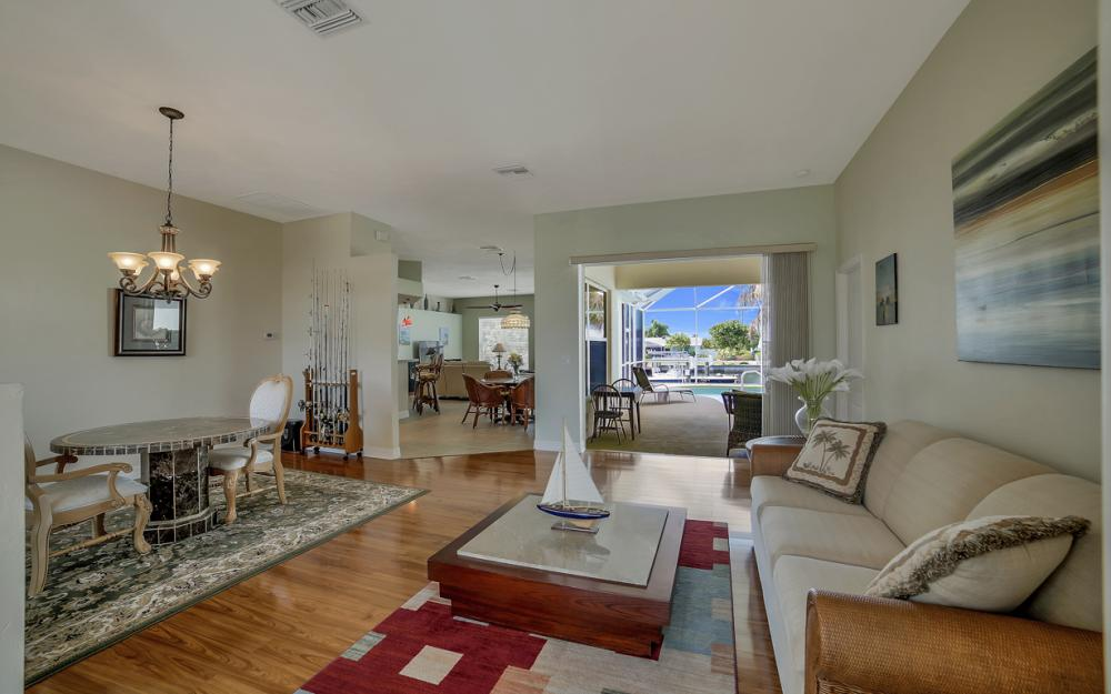 3724 SW 5th St, Cape Coral - Home For Sale 740891147