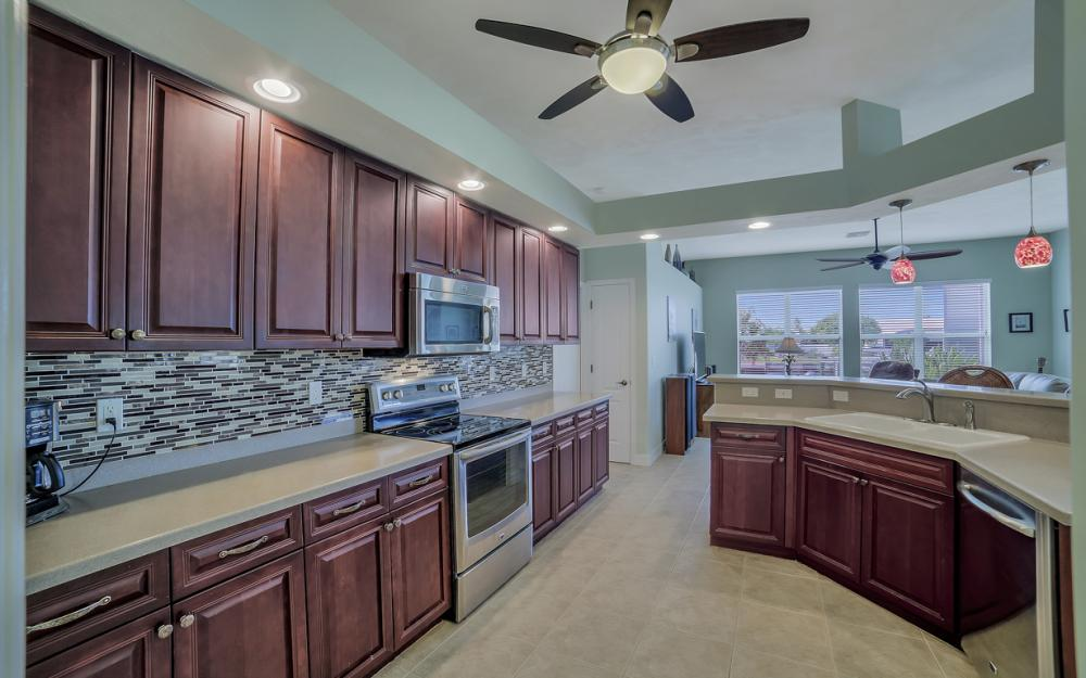 3724 SW 5th St, Cape Coral - Home For Sale 1699510344