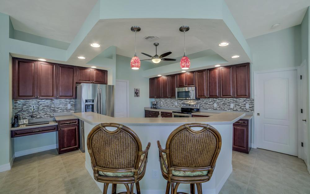 3724 SW 5th St, Cape Coral - Home For Sale 367747564