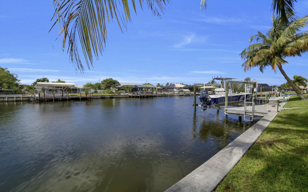 3724 SW 5th St, Cape Coral - Home For Sale 765005597