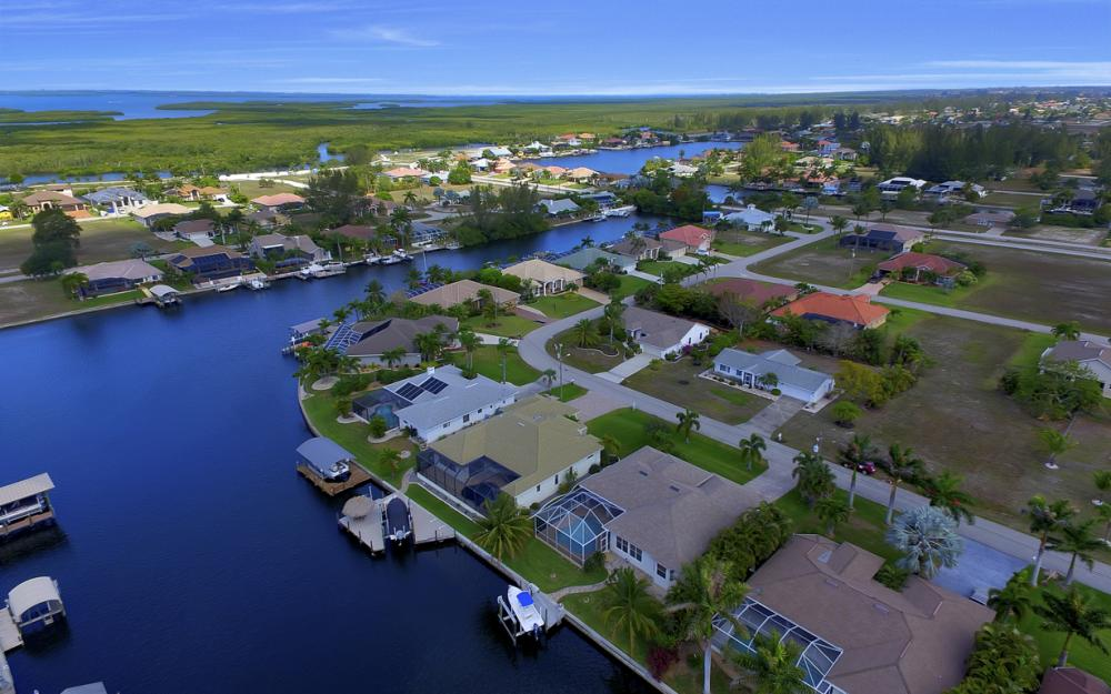 3724 SW 5th St, Cape Coral - Home For Sale 127344686