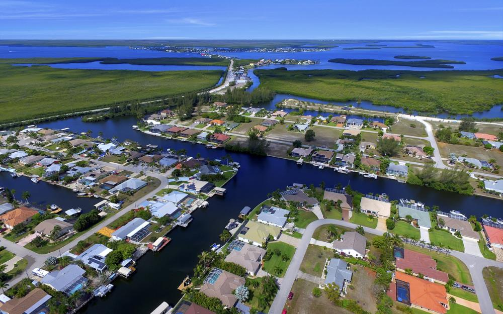 3724 SW 5th St, Cape Coral - Home For Sale 1148220501