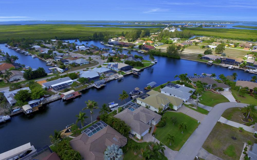 3724 SW 5th St, Cape Coral - Home For Sale 1450822014