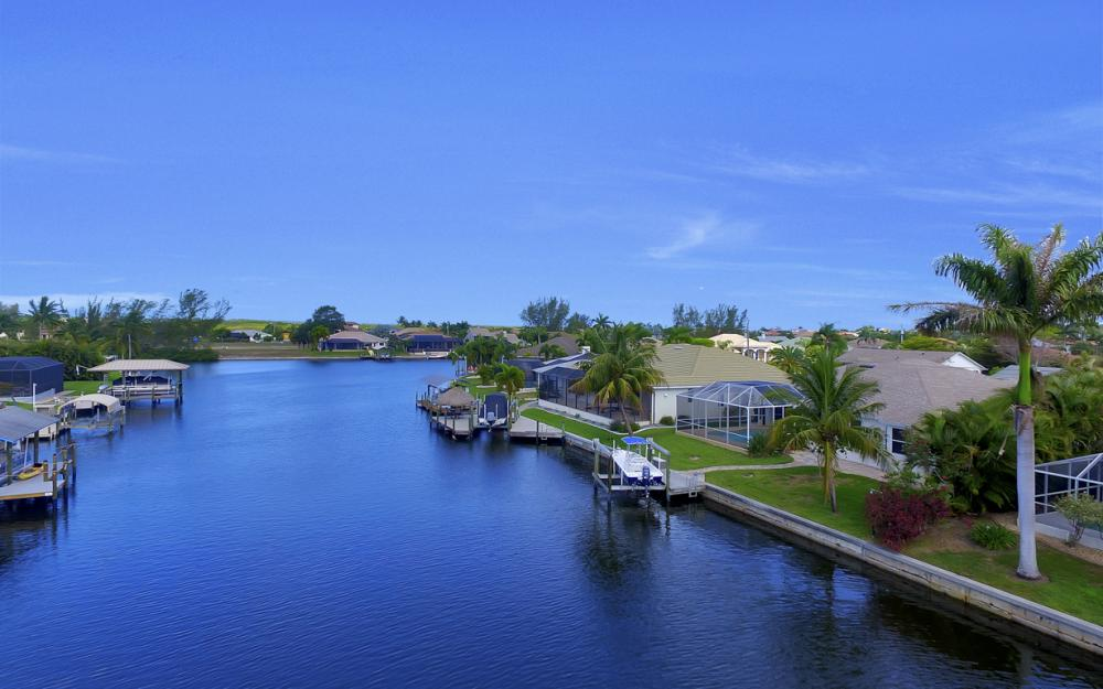 3724 SW 5th St, Cape Coral - Home For Sale 974721192