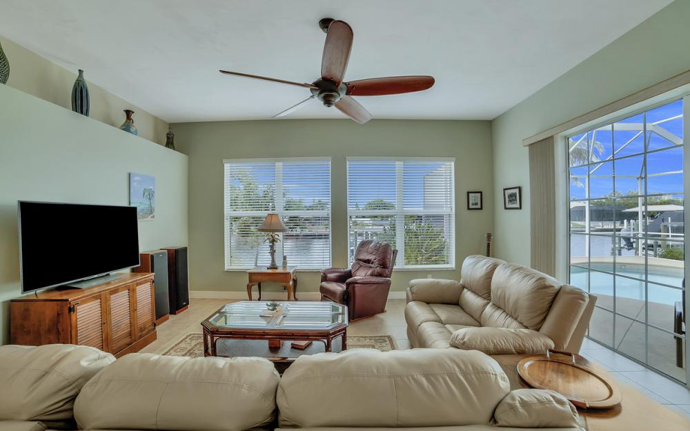 3724 SW 5th St, Cape Coral - Home For Sale 1036619554