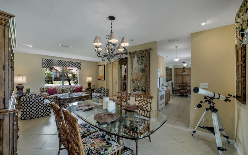 27141 Edenbridge Ct, Bonita Springs - Home For Sale 432723306