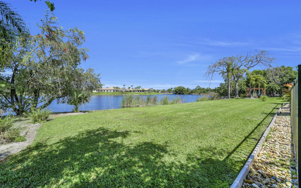 27141 Edenbridge Ct, Bonita Springs - Home For Sale 278919763