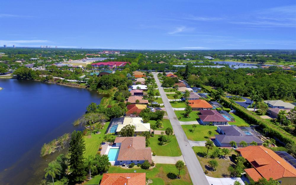 27141 Edenbridge Ct, Bonita Springs - Home For Sale 1713962249