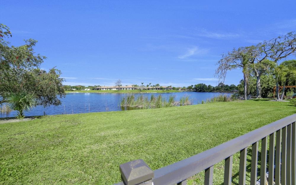 27141 Edenbridge Ct, Bonita Springs - Home For Sale 536906747