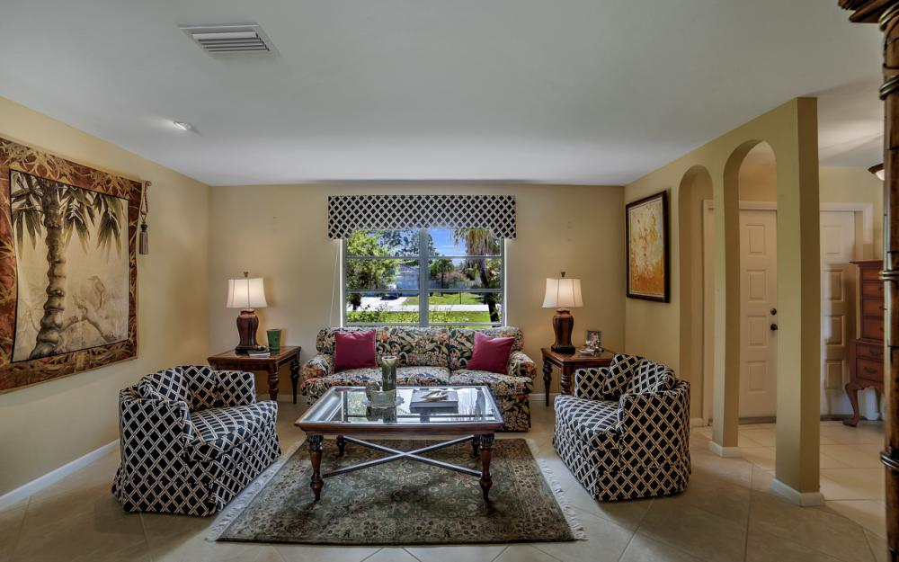 27141 Edenbridge Ct, Bonita Springs - Home For Sale 823809285