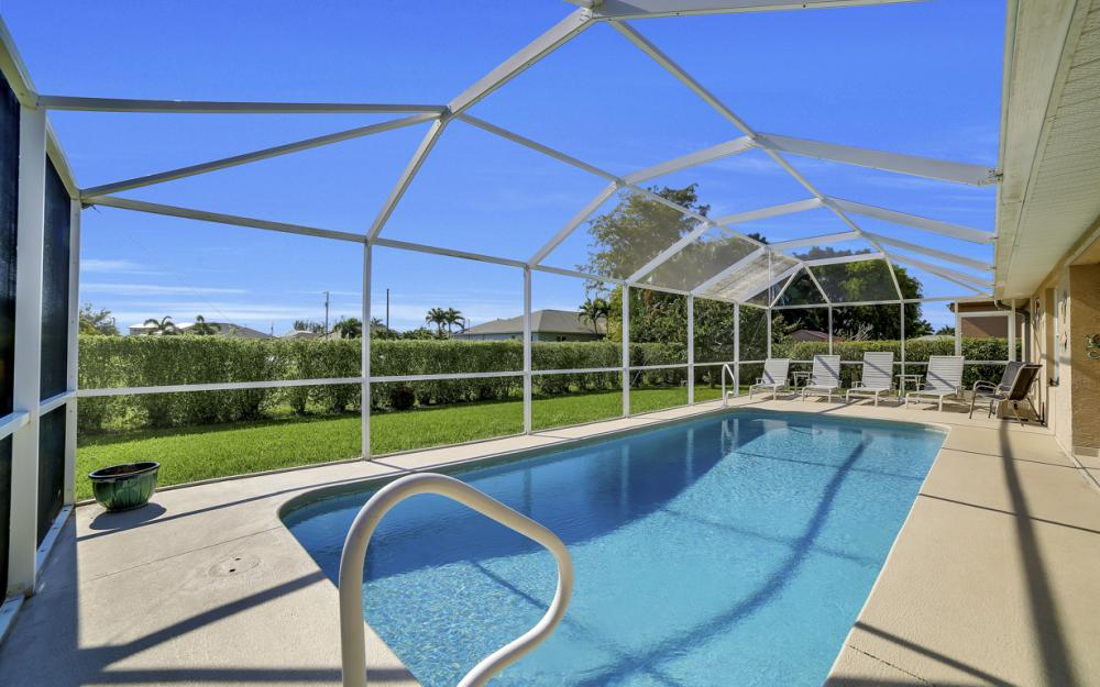 2524 SW 25th Pl, Cape Coral - Home For Sale 1107688552