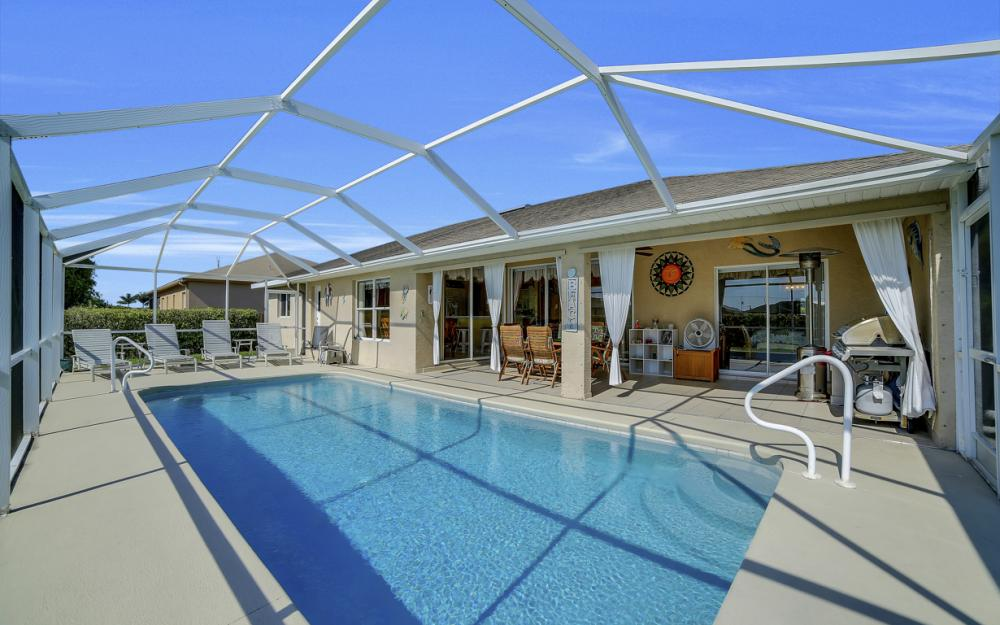 2524 SW 25th Pl, Cape Coral - Home For Sale 594438373