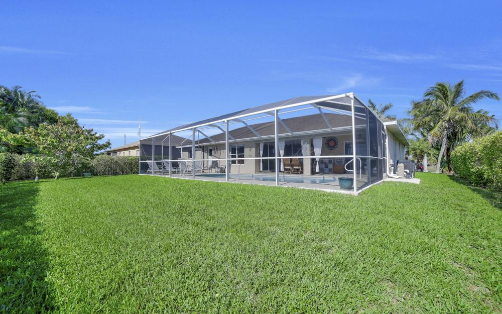 2524 SW 25th Pl, Cape Coral - Home For Sale 1035208344